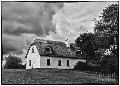 Irish Folklore Photograph - Traditional Irish Cottage by Gabriela Insuratelu