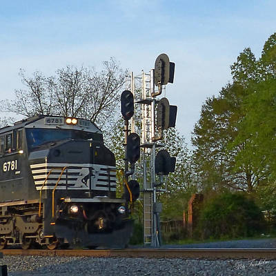 Photograph - Train And Signals by Pete Trenholm