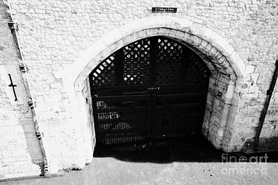 traitors gate at the tower of London England UK Art Print by Joe Fox