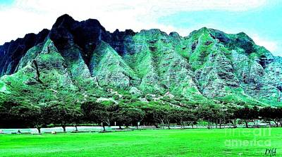 Wrap Digital Art - Trees And Mountains In Hawaii by Marsha Heiken