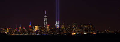 Photograph - Tribute In Light 9.11 by Kenneth Cole
