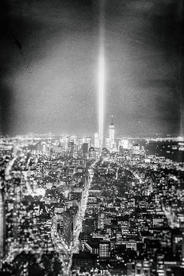 Tribute In Light Photograph - Tribute In Light - New York City by Vivienne Gucwa