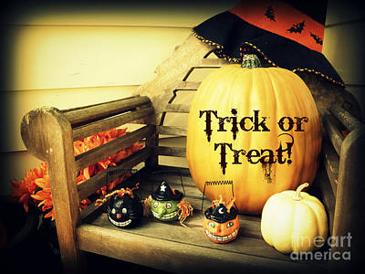 Photograph - Trick Or Treat by Valerie Reeves