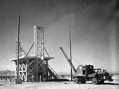 Tnt Photograph - Trinity Tnt Test, Manhattan Project by Science Source