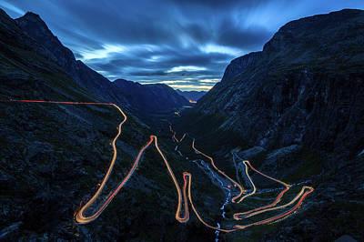 Long Tailed Photograph - Trollstigen by Jiri Paur