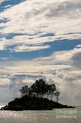 Souris Photograph - Tropical Island, Seychelles by Tim Holt
