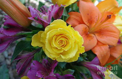 Photograph - Tropicalesque Bouquet2 by Janet Otto