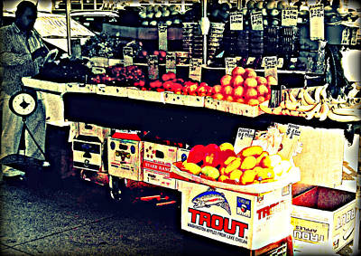 Vintage Outdoor Fruit And Vegetable Stand - Markets Of New York City Art Print by Miriam Danar