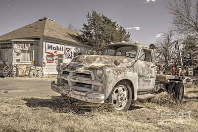 Old Tow Truck Photograph - Tucumcari Tow Truck by Rob Hawkins