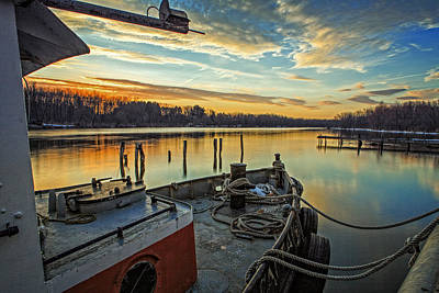 Tugboat Wall Art - Photograph - Tug At Sunrise by Everet Regal