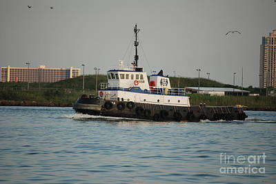 Photograph - Tug Boat by Mark McReynolds