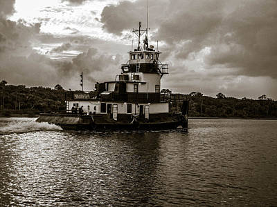Photograph - Tug On The Halifax River by Christy Usilton
