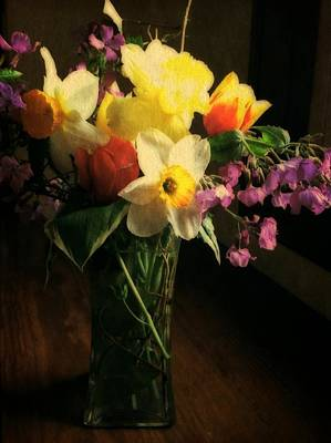 Daffodils Digital Art - Tulip Time Bouquet by Michelle Calkins