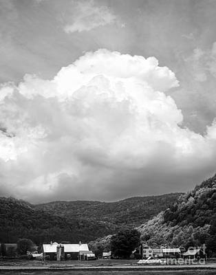 Country House Photograph - Tunbridge Vermont Storm Cloud Open Edition by Edward Fielding