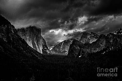 Photograph - Tunnel View by Charles Garcia
