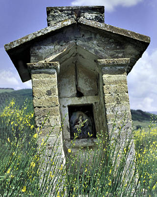 Photograph - Tuscan Shrine by Alan Toepfer