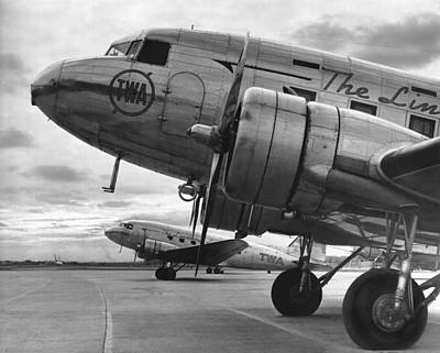 Twa Dc-3b Art Print by Underwood Archives