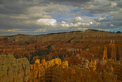 Photograph - Twilight At Bryce 75 by Tom Kelly