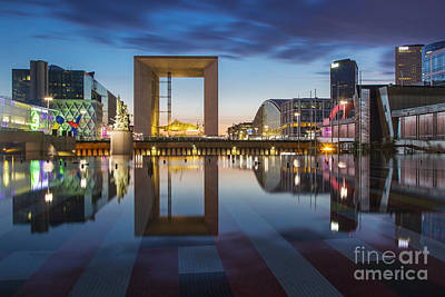 Photograph - Twilight At La Defense by Brian Jannsen