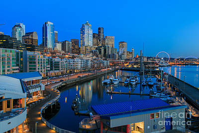 Twilight In Seattle Original by Kevin Le