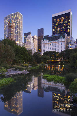 Photograph - Twilight Over Central Park by Brian Jannsen