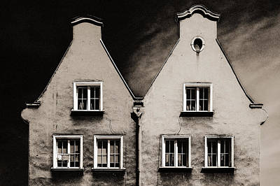 Photograph - Twin Houses by Arkady Kunysz