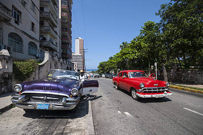Two Cuban Taxis Art Print