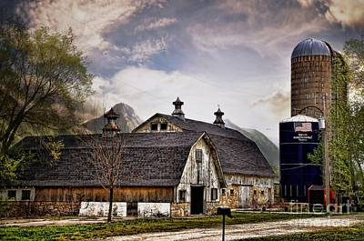 Photograph - Two For One Barn by Liane Wright