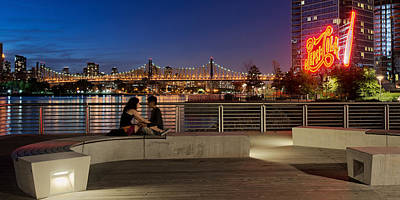Nyc Photograph - Two Lovers And Queensborough Bridge by David Giral