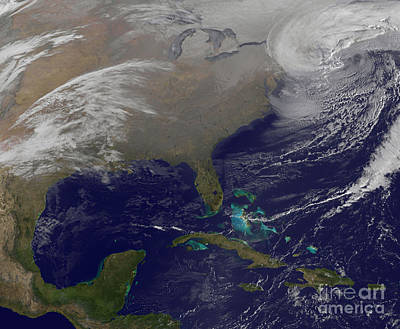 Two Low Pressure Systems Merge Together Art Print