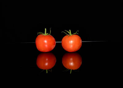 Two Red Tomatoes Original by Tommytechno Sweden