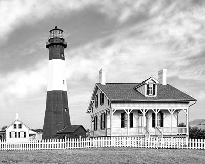 Keepers Cottage Photograph - Tybee Island Light Beneath Morning Skies by Mark E Tisdale