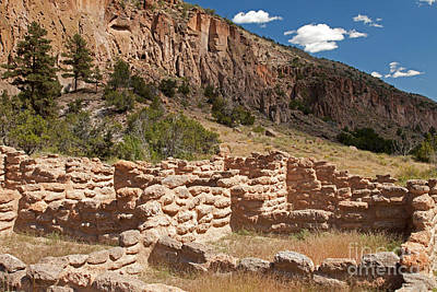 Photograph - Tyuonyi Bandelier National Monument by Fred Stearns