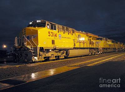 Photograph - U P 5314 At Klamath Falls by James B Toy