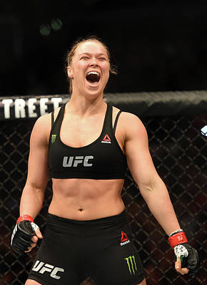 Photograph - Ufc 184 Rousey V Zingano by Harry How