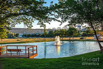 Umatilla Fountain Pond Art Print by Robert Bales
