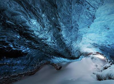 Ice Crystal Photograph - Una Grieta Azul. by Juan Pablo De
