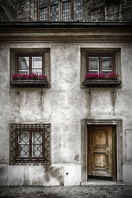 Old Window Photograph - Under St Stephens by Joan Carroll