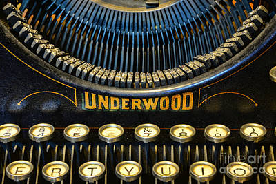 Underwood Typewriter Photograph - Underwood Typewriter by Paul Ward