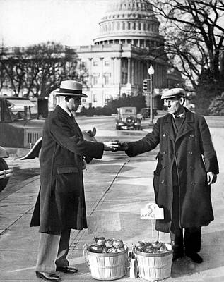 Capitol Building Photograph - Unemployed Man Sells Apples by Underwood Archives