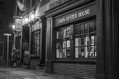 Photograph - Union Oyster House by John McGraw