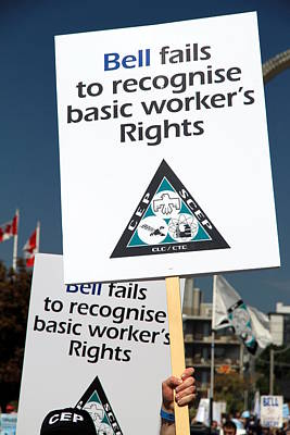 Photograph - Union Signs Against Bell by Valentino Visentini