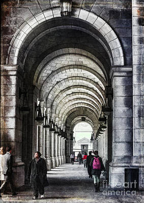 Photograph - Union Station Travelers by Terry Rowe