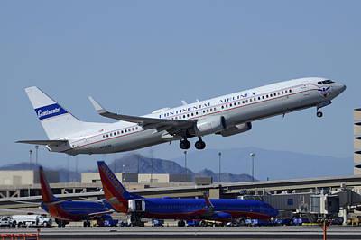 United Boeing 737-924 N75436 Continental Retro Taking Off Phoenix Sky Harbor March 6 2015 Art Print by Brian Lockett