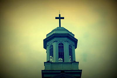 Photograph - United Methodist Steeple 2 by Laurie Perry