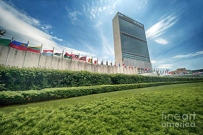Photograph - United Nations by Ray Warren