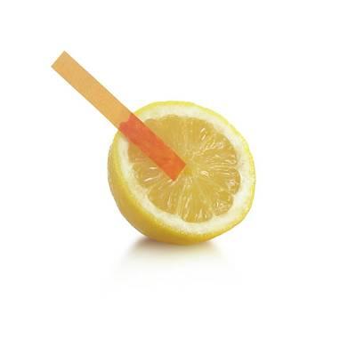 Universal Indicator Test On A Lemon Art Print