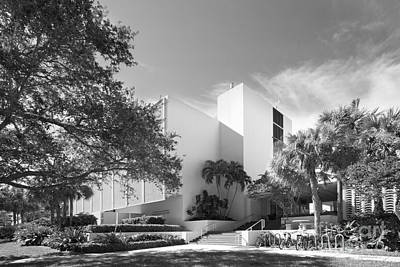 University Of Miami College Of Engineering Art Print by University Icons
