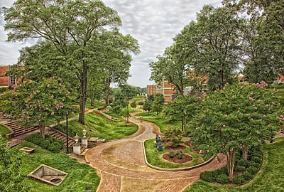 University Of Alabama Photograph - University Of North Alabama Campus by Mountain Dreams