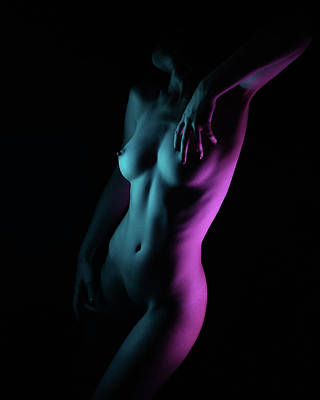 Nude Photograph - Untitled by Alexbusu